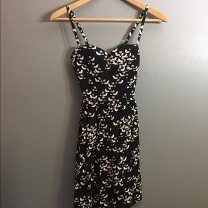 Sweetheart dress with bow keyhold back